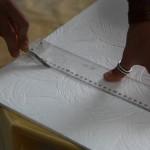 rezhem-penoplastovuyu-plitku