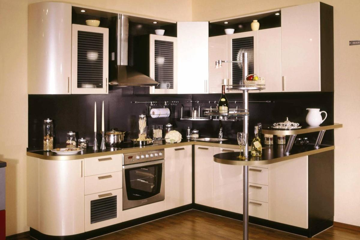 Аккуратная небольшая кухня